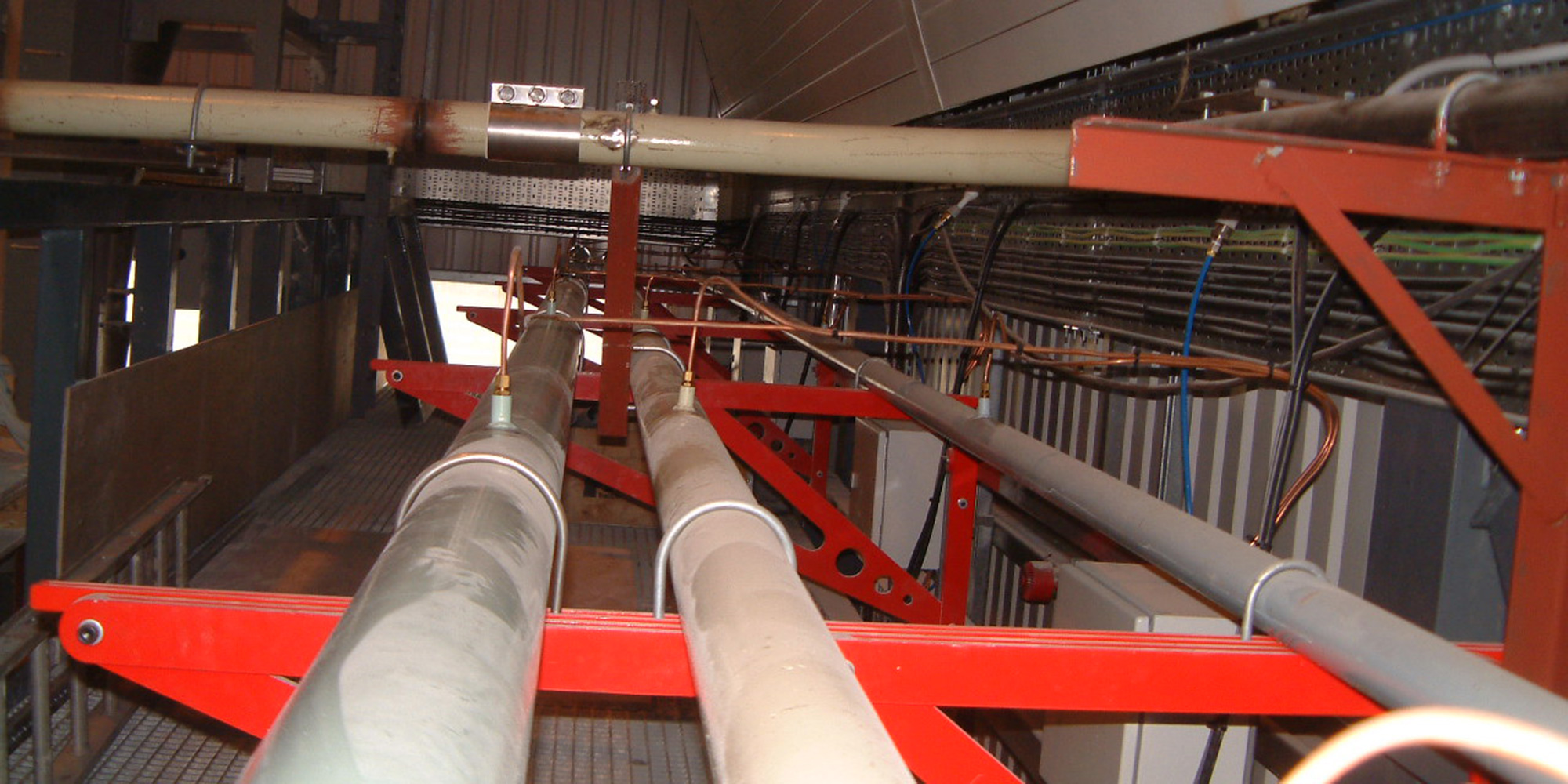 Pneumatic conveying pipelines
